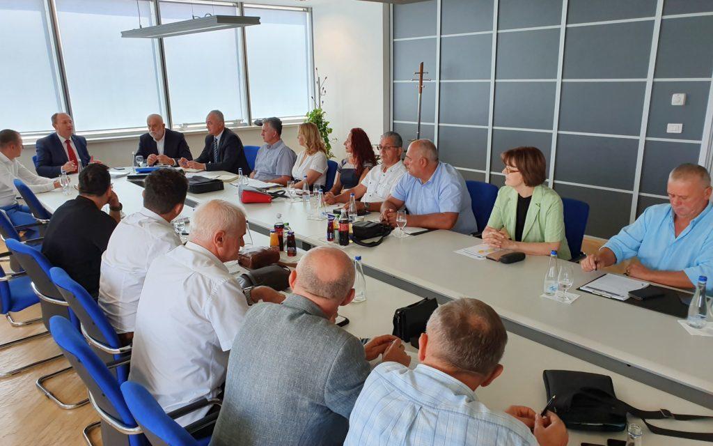 Закључци са састанка Одбора синдиката ЕРС са генералним директором ЕРС